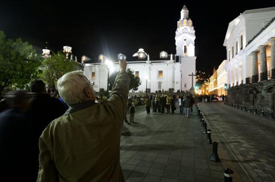 Las noches quiteñas son aprovechadas para pasear por el Centro Histórico y maravillarse con su cultura e historia - Cámara de Turismo y Comercio LGBT del Ecuador