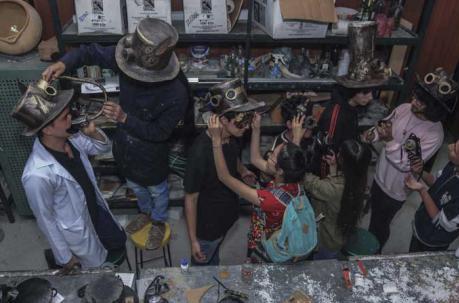 El Desfile de las Mascaradas se realiza desde hace 38 años en Cuenca,.jpeg