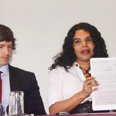 Camara LGBT del Ecuador rueda de prensa sobre lanzamiento - CEO Diane Rodriguez (12)