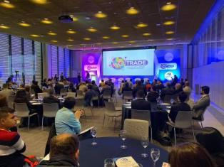 Cámara LGBT de comercio Ecuador en el We Trade Feria de oportunidades en Bogota Colombia (21)